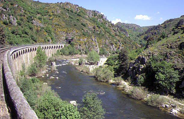 Les Gorges de l'Allier vue du Train.
